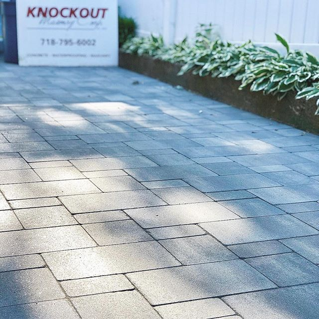 ☀️☀️☀️☀️☀️☀️☀️☀️☀️Add a sleek Knockout™ 👊🏼 finish to your driveway and enjoy your 🔆S U M M E R 🔆