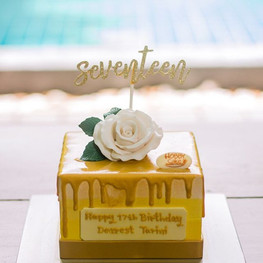 Mini Golden Ombré drip cake with classic