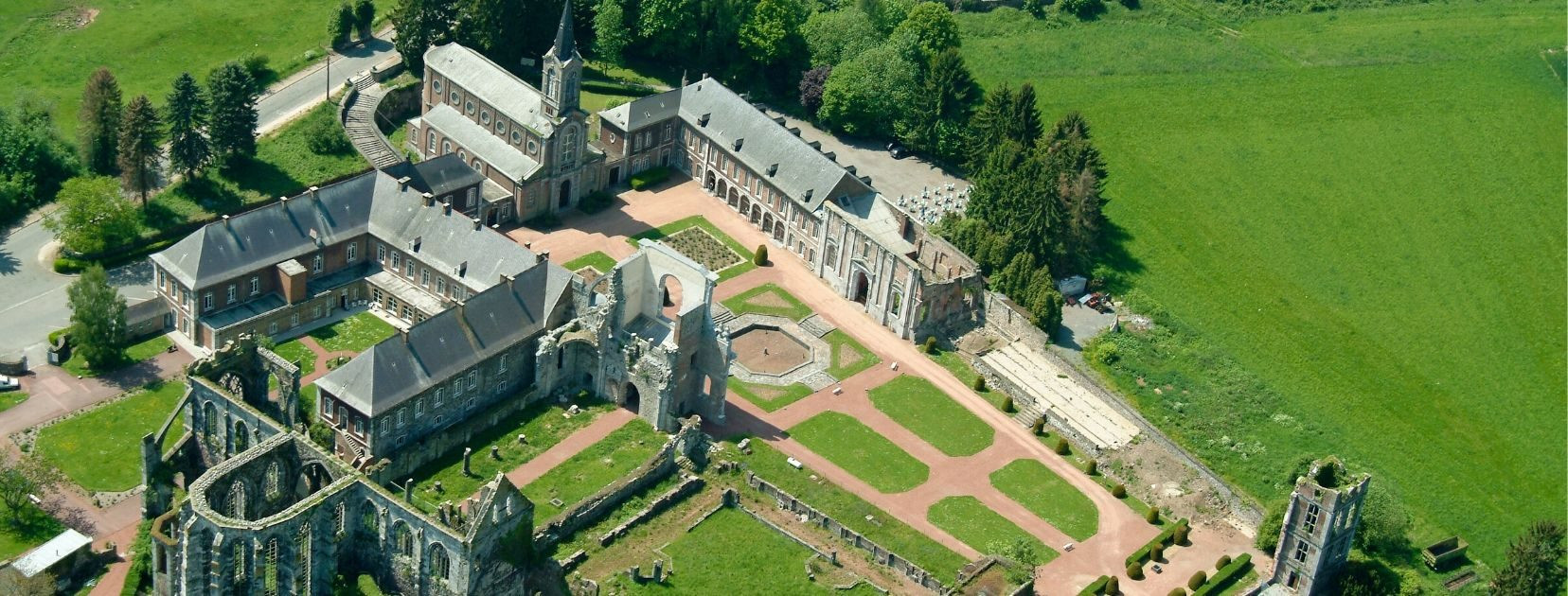 abbaye d'aulne2.jpg