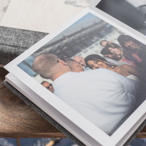 Thisday Photography is offering the best professional wedding albums.