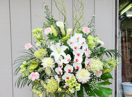 洋花の葬儀スタンド