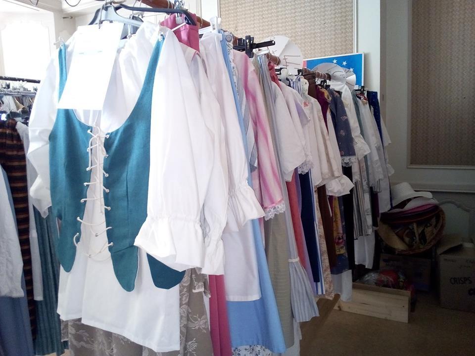 Et encore beaucoup d'autres costumes en boutique !