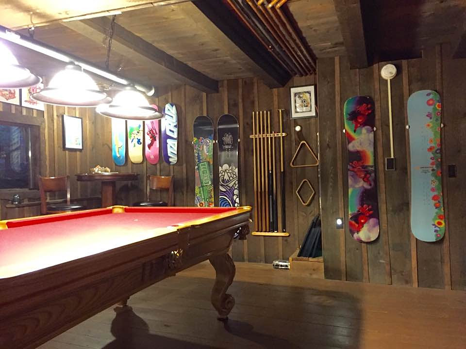 Grunberghaus | Pool Table Room