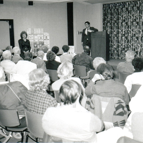 3- Dr Mitsumoto speaks at Canton ALS Support Group 1989.jpg