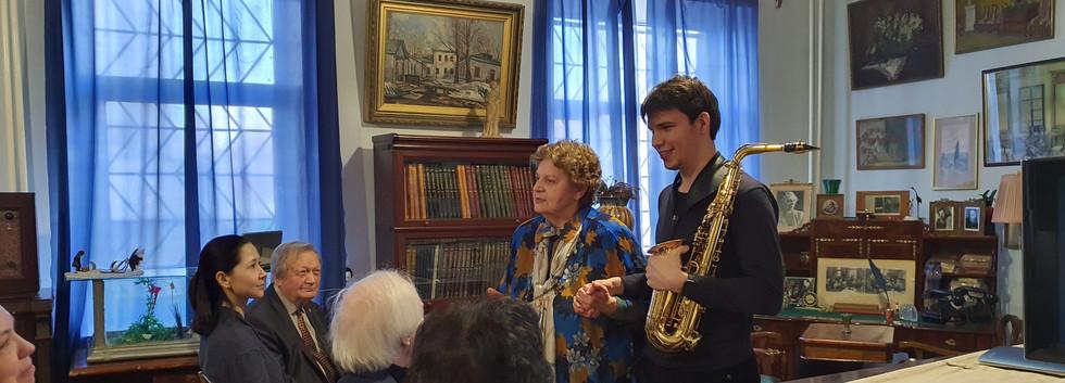 М. К. Шапошникова и Аркадий Пикунов