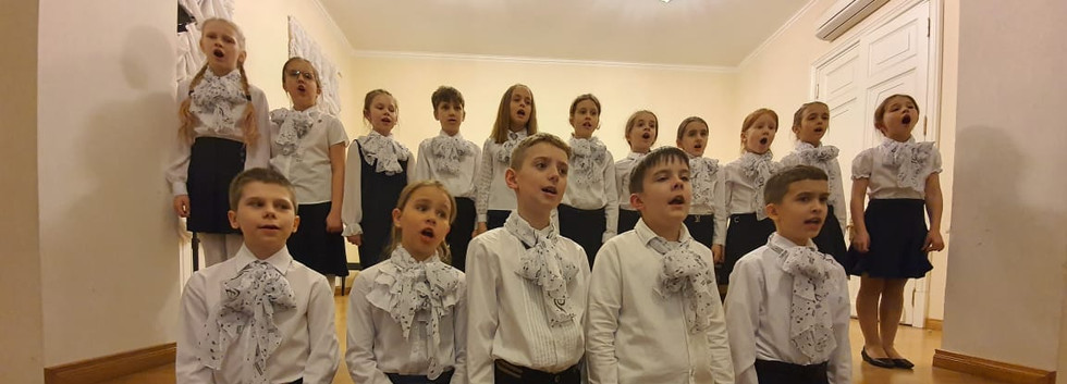 """Детский хор """"Юные гнесинцы"""" исполняет сочинения Ел.Ф.Гнесиной """"Дед Мороз"""" и """"Сколько дел у нас с утра"""""""
