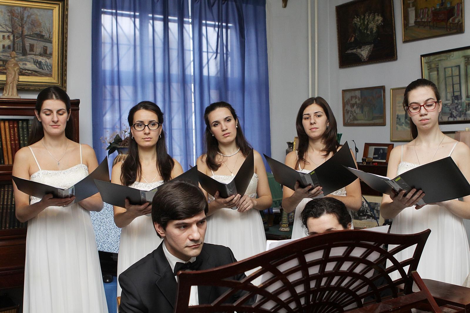 Ансамбль духовной музыки Благая весть семьи Аветисян