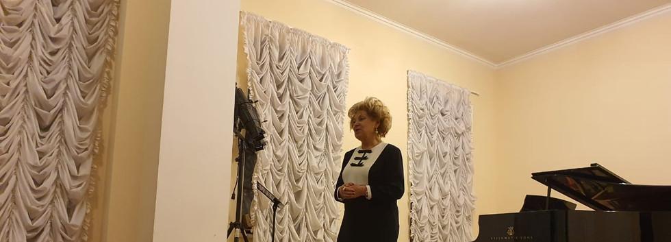 Президент РАМ имени Гнесиных Г.В.Маяровская