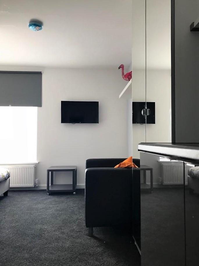 Studio Style En-suite Bedroom