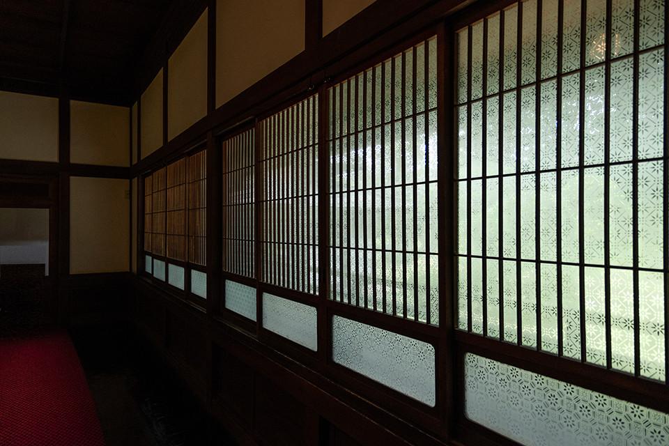 江戸東京たてもの園_ガラス戸