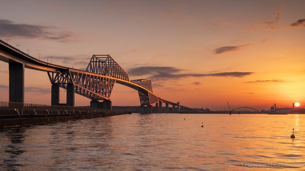 夕陽に照らされたゲートブリッジ