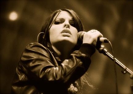 Michelle Wedding Singer Liverpool1-2007, 13 34 49