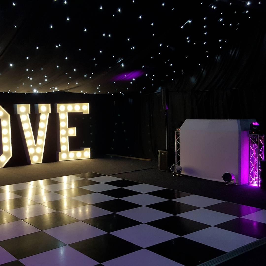 Wedding DJ Lacnashire
