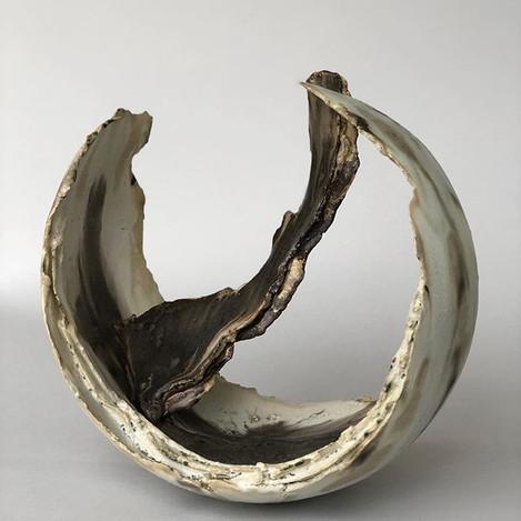 Circular chambered form