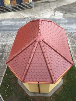 Dach einer Kapelle