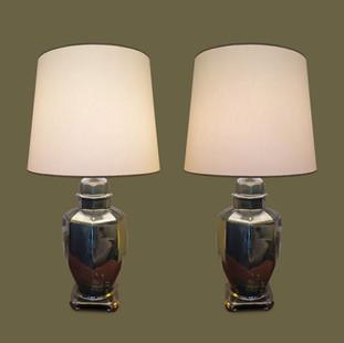 Pareja de lámparas con bases de tibores en cerámica verde irisada.
