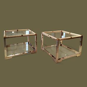 Pareja de mesas de doble bandeja en acero cromado, torceduras de resina color marfil y bronce. Tommaso Barbi