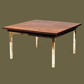 Mesa de café de latón con tapa de Nogal.