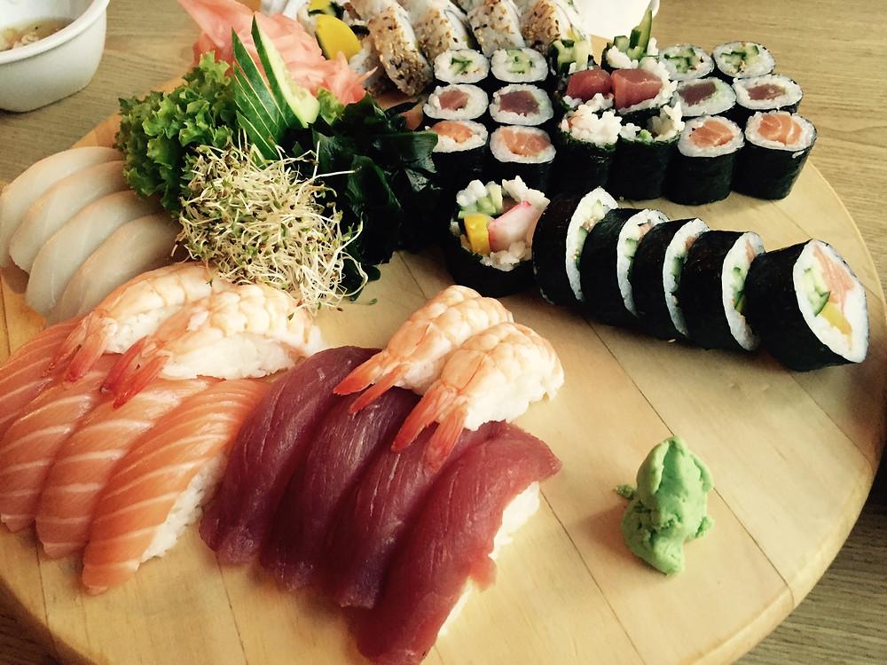 Sushi w japońskiej restauracji