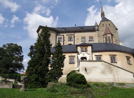 Senne miasteczko i wiekowy Hrad Štrenberk - odkrywamy Morawy
