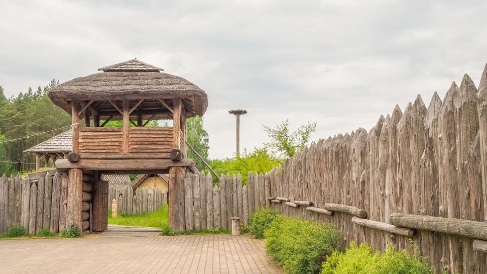 Polska na weekend - Średniowieczna Osada Słowiańska w Sławutowie