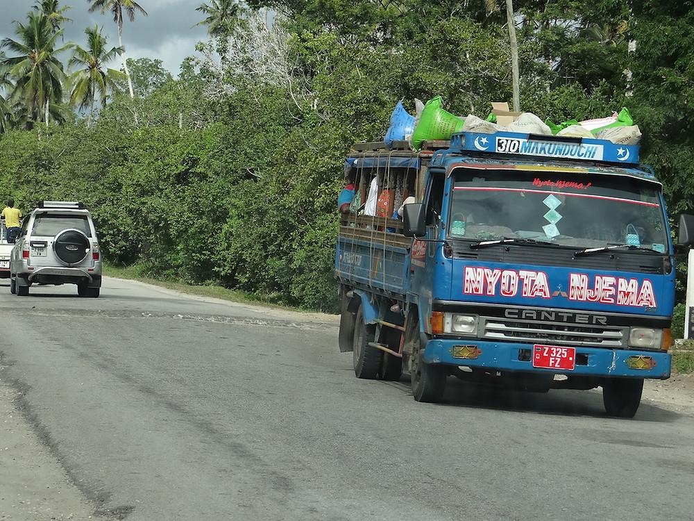 Dala Dala - publiczny transport na Zanzibarze