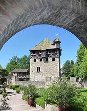 Arche d'entrée des jardins.jpg