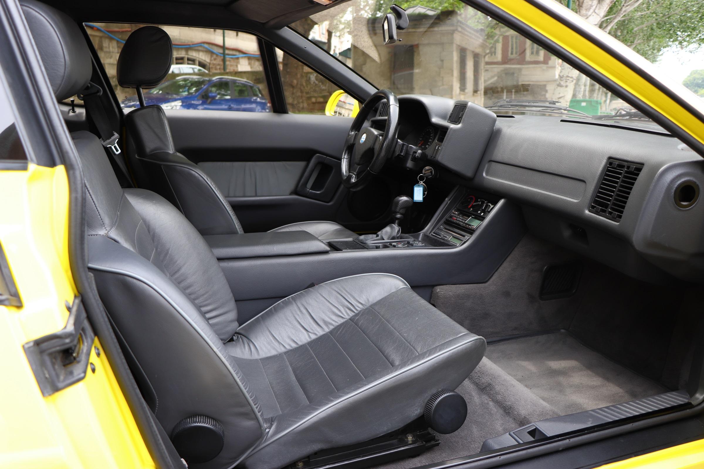Intérieur Alpine A610 de 1992