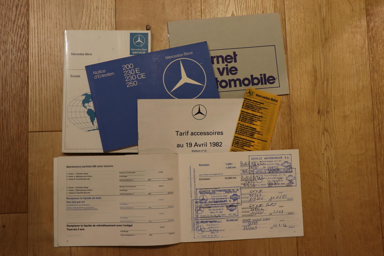 Carnet Mercedes 230E de 1982