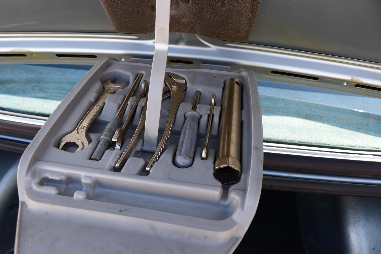 Boîte outils BMW 318i de 1981