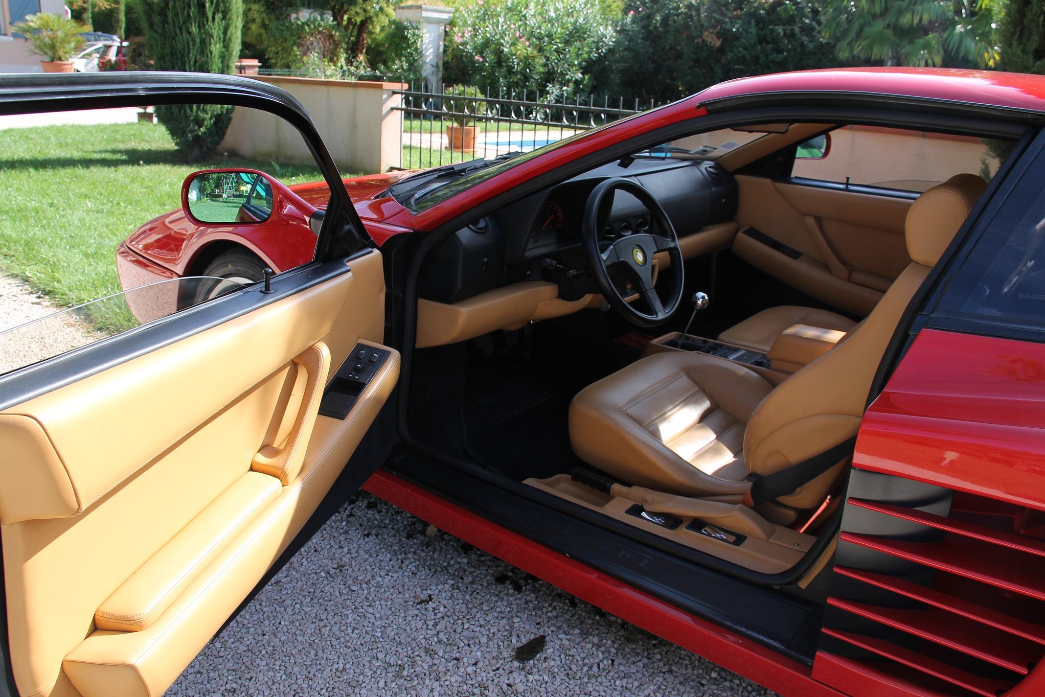 Intérieur_Ferrari_512_TR