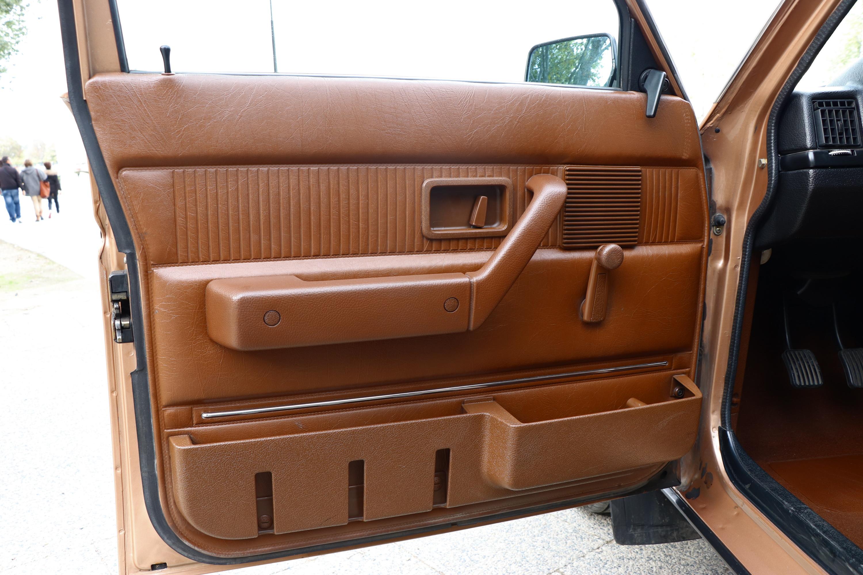 Intérieur Volvo 244 GL de 1982