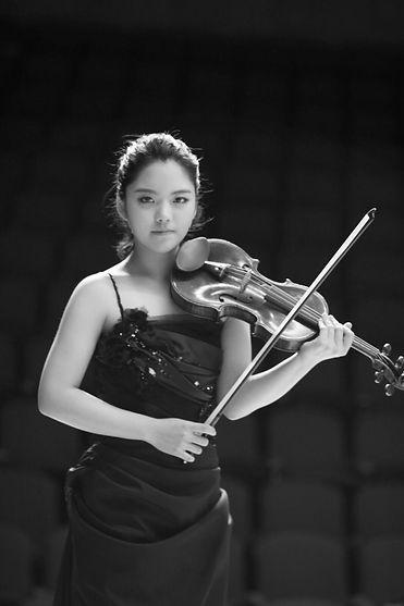Junghyun Park violin.jpg