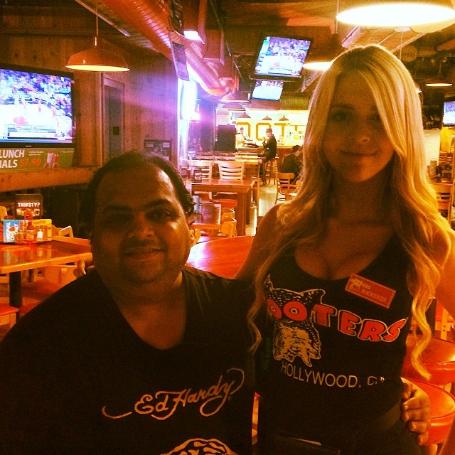 Having a lovely evening #hooters #hollywood #lovely