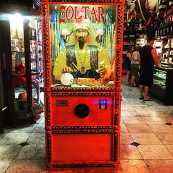 Zoltar as featured in the movie Big 1988 Tom Hanks #zoltar #magic #movies #tomhanks #amazing #americ