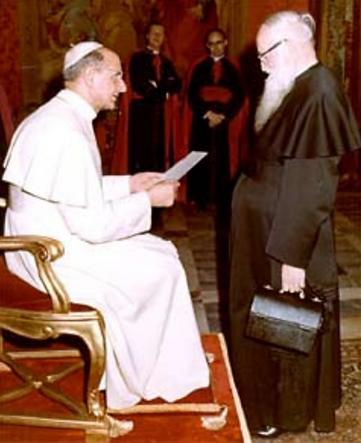 2 PK con el Papa Pablo VI.png