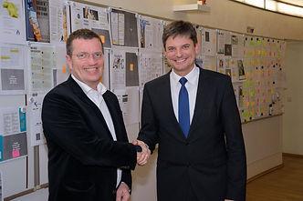 Prof. Dr. Joachim Hornegger Friedrich-Alexander-Universität, Erlangen-Nürnberg und Oliver Bialas