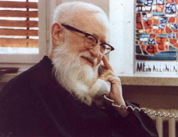 1 P. José Kentenich.jpeg