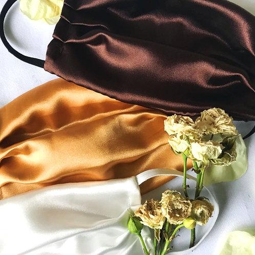 Silk face masks, chocolate cream liqueur