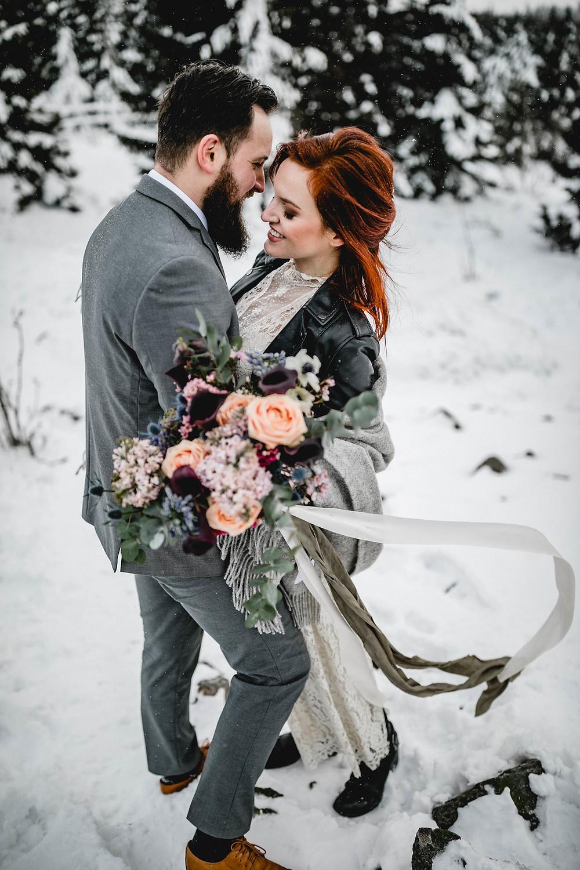 Winter Hochzeit berlin , Brautstyling berlin , hochzeitsmakeup , Brautfrisur