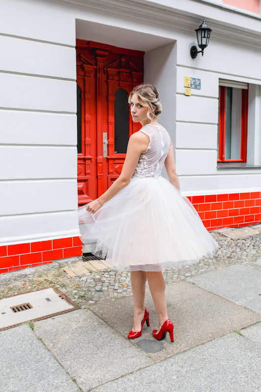 Hair&Makeup artist berlin , brautfrisur , visagist hochzeit , mobiler Friseur in berlin , brautstyling , braut makeup , hochzeit in berlin , berlin braut , bridalhair , weddinghair , wedding , bride