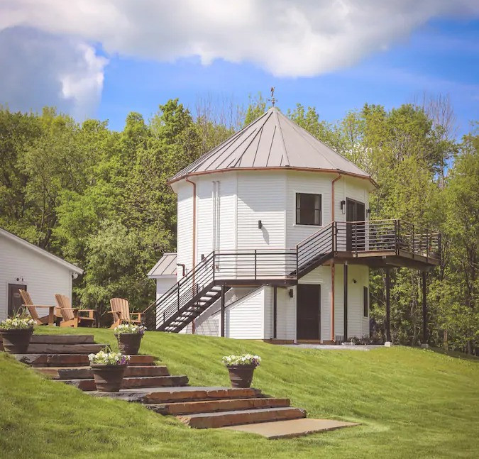 silo suite unique airbnb