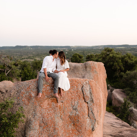 Enchanted Rock Elopement | Megan & Kalena