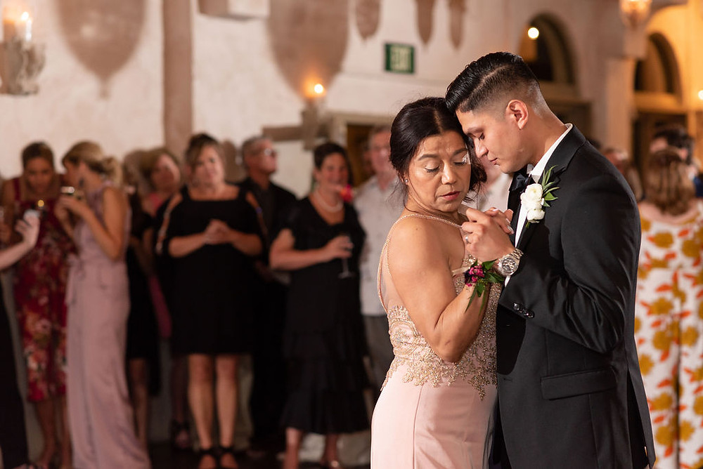 groom and mom first dance at villa antonia