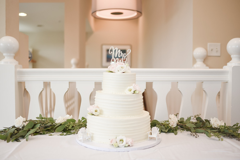 wedding cake at brookside country club
