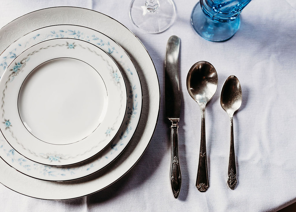 table scape with place setting at wedding