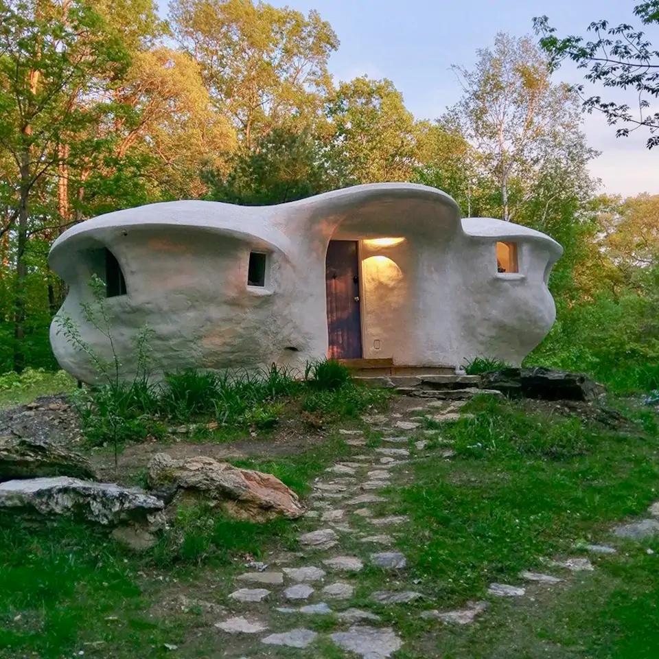 house that looks like flinstone house