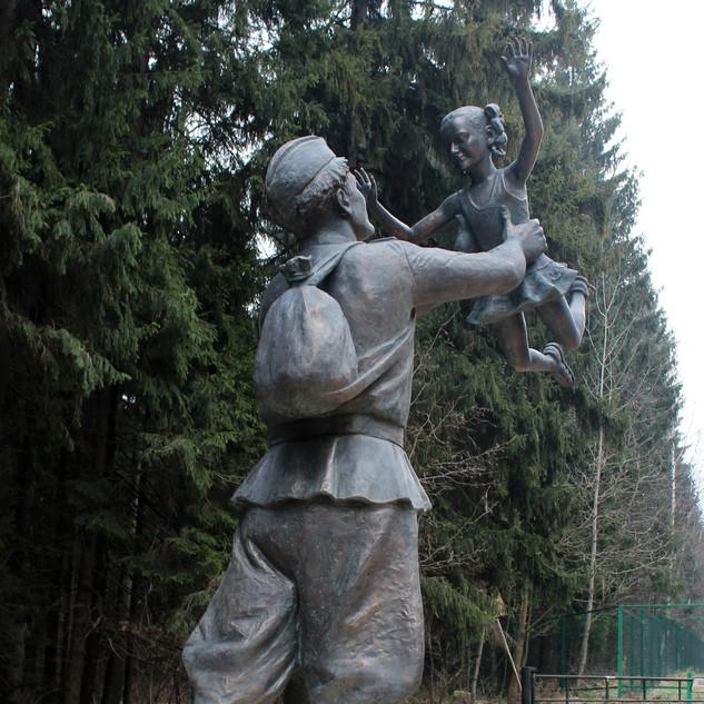 """Встреча Скульптурная композиция """"Встреча"""""""
