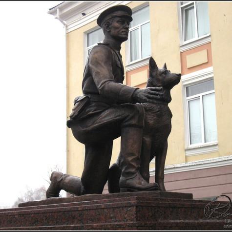 Памятник капитану милиции Ф.С. Хихлушке, г. Белгород