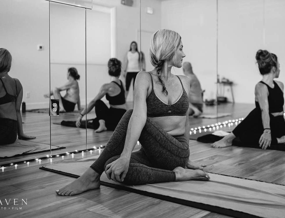 2020-One-Hot-Yoga-MAVEN-6819-2.jpg